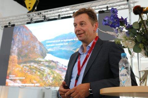 JOBBER MED HYDROGEN:  Jorulf Kyrkjeeide er  prosjektleder for hydrogenprosjektet ved Tizir Titanium & Iron (TTI) og er svært begeistret for planene om å produsere hydrogen i Hardanger.