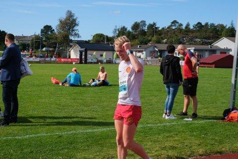 VANN: Ken-Tony Johansen (29) vann Knarvik halvmaraton søndag, dagen etter at han sikra 2. plass i Knarvikmila.