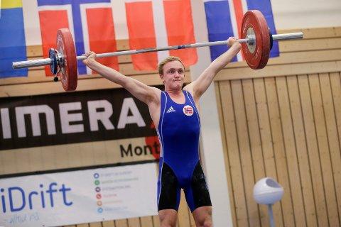 186 KILO: Alexander Kolstø Våge endte på 186 kilo totalt. 81 kilo i rykk og 105 i støt.