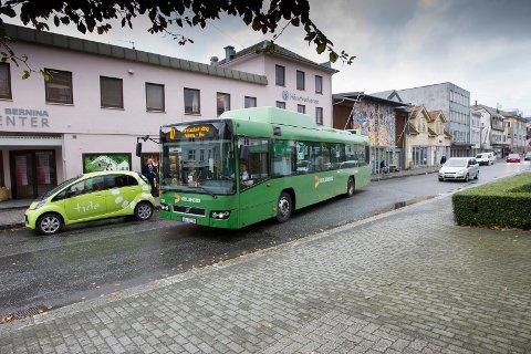Søndag tilbyr Kolumbus gratis bussreiser mellom klokken 08 og 18. Arkivfoto: Terje Størksen