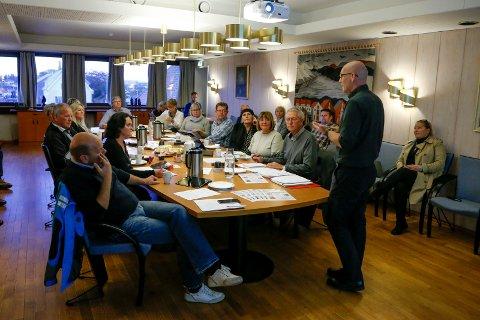 Møte i Helse og Omsorg Karmøy kommune.  Barnevernleder Jakob Bråtå