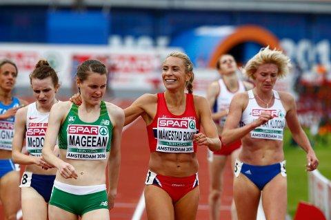 Ingvill Måkestad Bovim (i midten) under finalen på 1500 meter under EM i friidrett i Amsterdam søndag. Foto: Heiko Junge / NTB scanpix