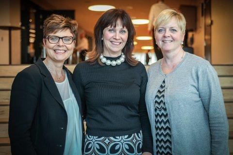Fylkesordførerene som forhandler: Anne Gine Hestetun (Ap, Hordaland), Jenny Følling (Sp, Sogn og Fjordane) og Solveig Ege Tengesdal (KrF, Rogaland).