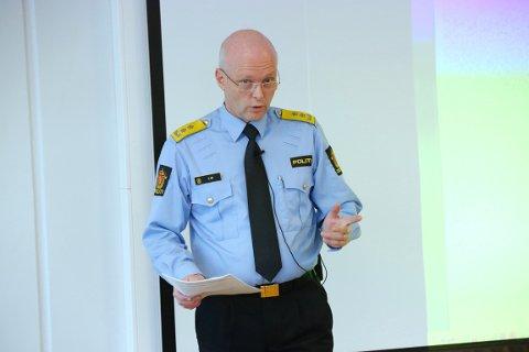 NY STRUKTUR: Politimester Hans Vik i Sør-Vest politidistrikt fikk viljen sin under forhandlingene om de fremtidige driftsenhetene i politidistriktet. Foto: Alf-Robert Sommerbakk