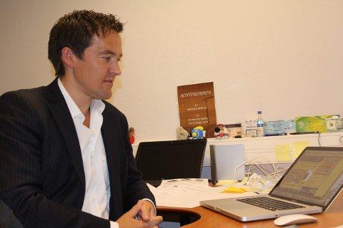 KLAGEHJELP: Dag Rune Flåten leder callsenteret til Klagehjelp AS i Haugesund. Nå har de samlet 50 Nordic Securities-aksjonærer som ønsker å gå til gruppesøksmål for å få tilbake pengene de har investert. Arkivfoto: Harald Martel Bersaas