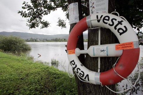 Tolv menn, én kvinne og ett barn har druknet i Norge i løpet av årets tre første måneder. Illustrasjonsfoto: Bjørn Sigurdsøn / NTB scanpix
