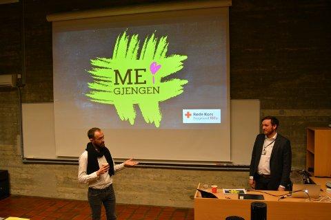 Me i gjengen er et tilbud for ensomme ungdommer i Haugesund. Simon Næsse (t.v) introduserer Martin Fossmo.