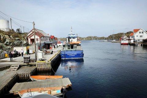 RØVÆR: I 2019 kan du reise til og fra Røvær med hybride hurtigbåter. Arkivfoto: Grethe Nygaard