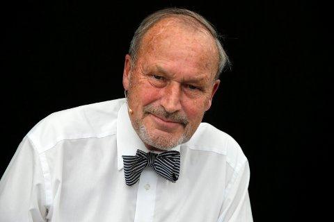 Lege og professor Per Fugelli er død. Her på scenen under Oslo bokfestival 2014. Foto: Berit Roald / NTB scanpix