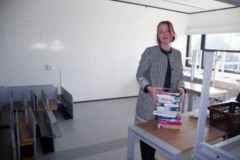 FLYTTING: - Det blir greit å være i de kommunale brakkene på Flotmyr noen måneder. Tror ikke folk i Haugesund  vet hvor godt bibliotek de har, mener biblioteksjef Marianne Hirzel.