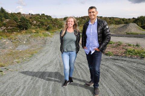 JOBBER VIDERE: Fjord Motorparks styreleder André Kidess, her sammen med Veronika Digernes i Karmøy motocrossklubb.