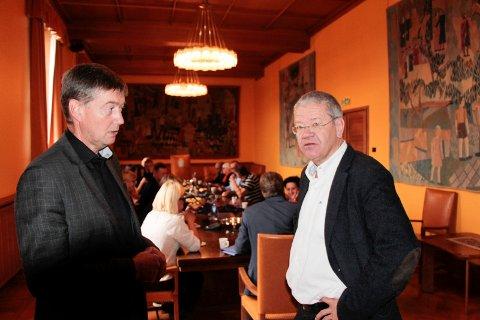 Felles formannskapsmøte for Haugesund og Bømlo i 2016. Ordførerne t.v. Odd Harald Hovland og Arne-Christian Mohn. Nå inviteres politikerne fra Haugesund på gjenvisitt.