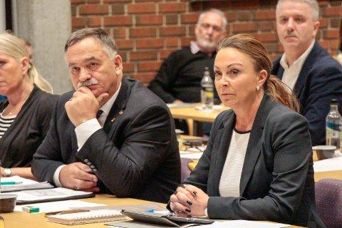 Kommunestyret i Karmøy da Susan Borg trakk seg som gruppeleder i Frp. t.v. Helge Thorheim Frp