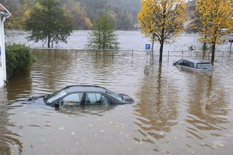 KLIMA: Det er først når orkanen tar huset vårt, når flommen skyller bilen vår på havet, når tørken dreper avlingen vår at vi forstår at noe må gjøres. Da er det ofte for sent, skriver Egil Severeide. 8 8Ill.foto: NTB SCANPIX