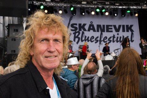 TRØR GJERNE TIL: - Vi skal jammen trø til hvis noen har god lommebok og vil ha Clapton eller Dylan til Skånevik, sier festivalsjef Alf Warloe Christophersen.