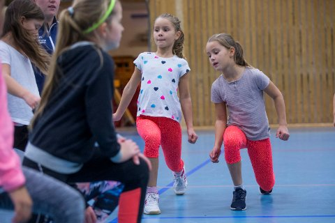 Haugesund 221018 Skåredalen skole Plogentrening  Annie B. Kvarven og Lotte B. Kvarven