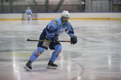 STOLT OVER SPILLERNE SINE: ... men det ble likevel tap for Seagulls og spillende trener Markus Kankaanranta.
