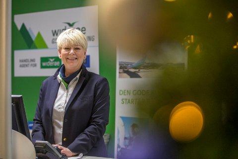BLID VETERAN: Snart 37 år bak serviceskrankenpå flyplassen  har Siri Gulliksen bak seg.