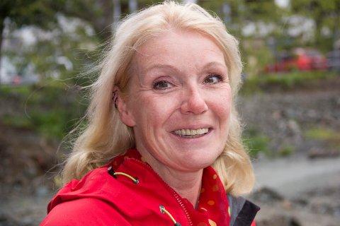 KJEMPEGOD IDE:   Marianne Hirzel, biblioteksjef i Haugesund tenner på ideen om et Kolbein Falkeid-selskap og vil få i gang  et interimstyre så fort som mulig.