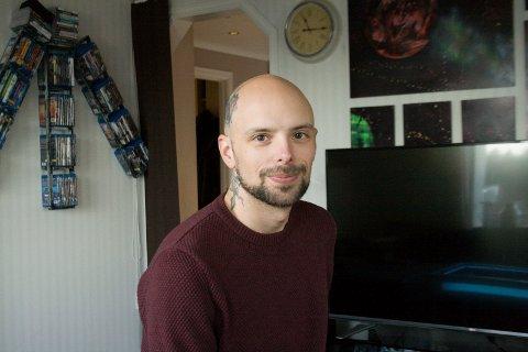 GLAD FOR Å FÅ DIAGNOSE: Tommy Georgsen Olsen (32) fikk i 2015 diagnosen MS. - Da falt alt på plass. Helt siden jeg var liten har jeg slitt uten å vite årsaken, sier han.