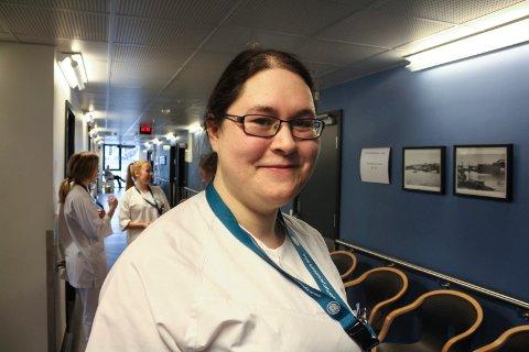 Hjalmfrid Huynh Ekeland er tillitsvalgt for sykepleierne ved Sentrum behandlingssenter. Hun er glad for lønnsøkning, og håper den vil hjelpe på rekrutteringen.
