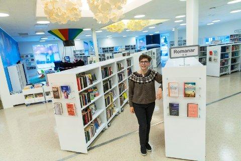 KULTURHUSETS ANSIKT: - Vi gjør så mye annet enn å låne ut bøker. Derfor trives jeg i Tysværtunet, sier biblioteksjef Lillian E. Rushfeldt .