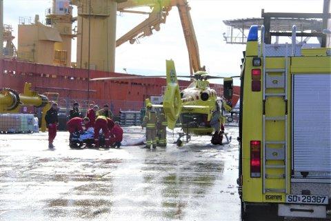 BLE KRITISK SKADET: En mann i 40-årene fra Karmøy ligger kritisk skadet på Haukeland universitetssjukehus etter ei arbeidsulykke mandag formiddag.