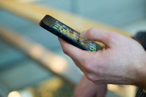 Sveio kommune skjerper reglene for mobiltelefon i skoletiden.