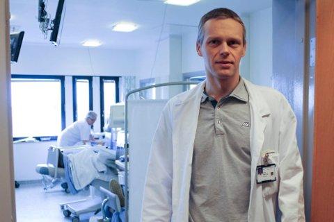 INGEN INNLAGT: Haugesund sjukehus har så langt i år ikke hatt en eneste influensapasient.  Også før nyttår var tallene svært lave. Likevel har ikke antall innleggelser gått ned. - Det er nesten litt mystisk, sier klinikkoverlege Bjørn Egil Vikse.