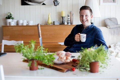 SLUTTER SOM JOURNALIST: Anders Totland  har vær journalist i mange år. Nå satser kokken og bladfyken på forfatteryrket.
