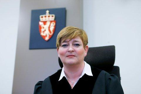Ga fengselsstraff: Dommer Signe Margrethe Lundegård og de to meddommerne mener saken har paraleller til mobil vinningskriminalitet og omfatter betydelige verdier.