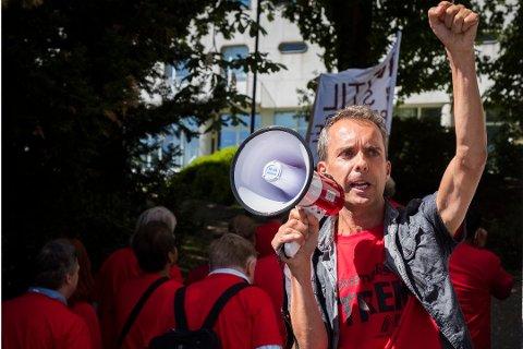 1.700 journalister over hele landet er i streik etter at meklingen mellom journalistklubben i NRK (NRKJ) og rikskringkasteren ikke førte fram. På bildet er streikeleder Jarle Roheim Håkonsen.