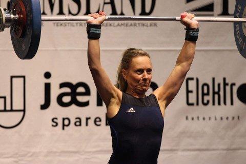 STØT: Anna Rød Nyland fra Haugesund VK endte med 51 kg i rykk og 66 kg i støt. FOTO: PRIVAT