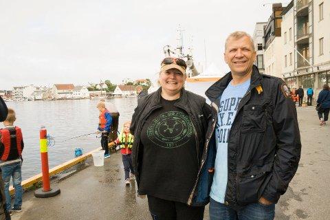 DISSE MØTER DU:  Fiskesommer er i regi av  Haugesund og Omegn Jeger- og Fiskerforening (HOJFF). Nestleder i HOJFFs fiskeutvalg Ellen Marie Hagevik og Åge Wee, leder i Slettaa dykkerklubb.