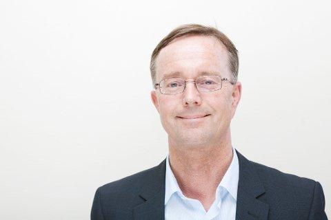 GIR ROS: Administrerende direktør Olav Klausen mener både ansatte, kommuner og innbyggere skal ha ros for at smittebølgen er slått ned.