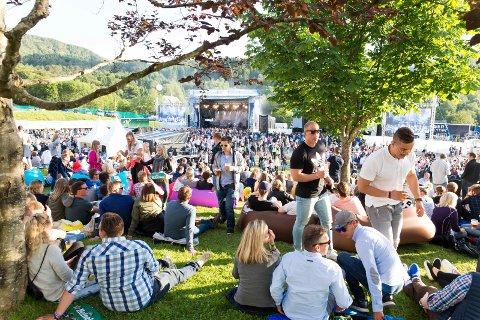TYSNESFEST:  God stemning under Tysnesfest, bildet er fra Gjerstad Arena i 2017.