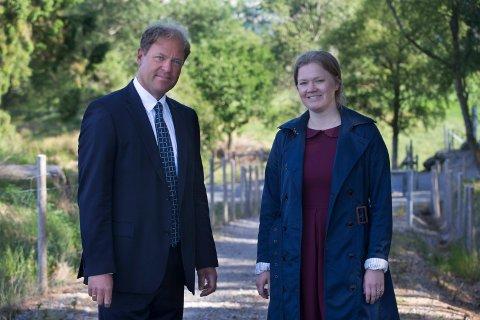 REPRESENTERER FAMILIEN: Advokatene Odd Arild Helland og Ingrid Lauvås representerer Tysvær-familien som kom i barnevernets søkelys.