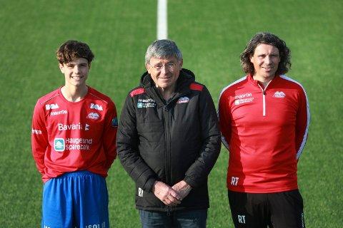 MED PAPPA OG FARFAR: Vard i tre generasjoner. Fra venstre: Mathias, John Mathias «Thias» og Rune Thuestad.