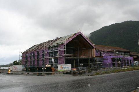 """SJØPERLO BLIR NAMNET: Ein jury har bestemt at det nye kulturhuset/læringssenteret for Vindafjord skal heita """"Sjøperlo"""" etter dialekten i Ølen. Det skal kosta 58,7 millionar og stå klar til nyttår."""