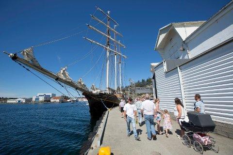 KAN IKKE KLAGE PÅ VÆRET: Turister som besøker Haugalandet, her fra Skudeneshavn, og vi som er igjen hjemme i fellesferien, kan se fram til en flott sommeruke.