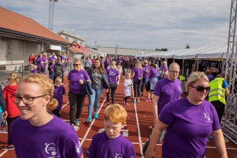 STOR PÅGANG: I fjor ble Stafett for livet arrangert for første gang på Torvastad. I år opplever man en økning i antall påmeldte, og foreløpig er alle teltene utsolgt.