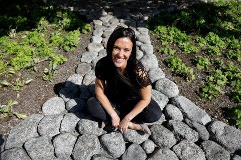 GLAD FOR GAVE: Daglig leder i Haugesund Turistforening, Lauren McPherson Simonsen.