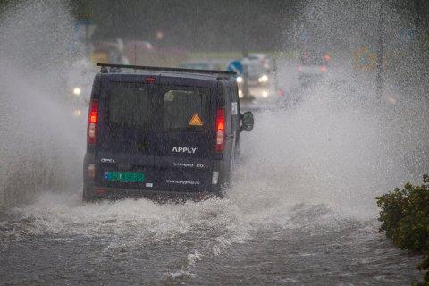 OVERVANN: Det kan bli mye vann i veiene natt til onsdag. Meteorologene har gått ut med varsel for både Rogaland og Hordaland.