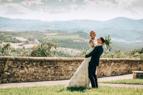 ITALIA: Ina Isotalo Nyhage og Kristoffer  Nyhage giftet seg på en herskapsvilla i Toscana i sommer.