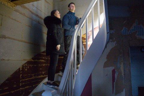 NYE EIERE: Amalie Sjølund og Hein Tore Gustavsen har kjøpt hus i Skudeneshavn, som de skal renovere fra innerst til ytterst.