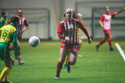 VISTE SEG FRAM: Marthe Enlid fra Byåsen, som spiller i 1. divisjon, hospiterer med Avaldsnes.