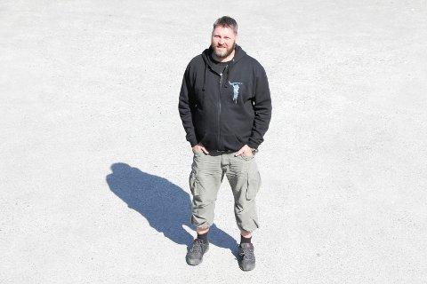 LEI STREIK: Johnny Angelund i Karmøygeddon frykter flystreiken kan gå utover musikkfestivalen.
