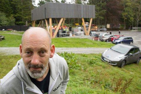 NÆRMER SEG: Festivalsjef Steinar Liadal sier det begynner å bli kontroll på det meste før helgens festival i Vangen.