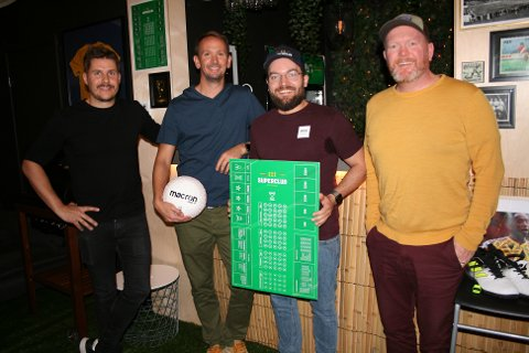 GÅR BREDT UT: Kjetil Sande (t.v.), Kjetil Hetlevik Johansen, Audun Egenberg og Stian Iversen tror og håper på internasjonal suksess med brettspillet Superclub.
