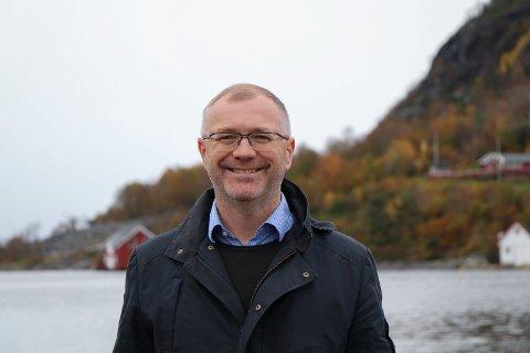 FAMILIEBEDRIFT: Tor Romseland (50) er tredje generasjons fabrikkeier for konservefabrikken på bygda i Hervik. Han er storfornøyd med responsen på deres nye saft-smak.